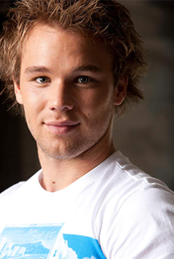 Lincoln Lewis-演員近照