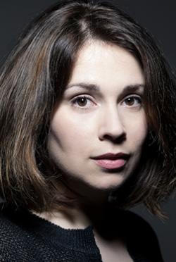 Alexandra Szucs-人物近照