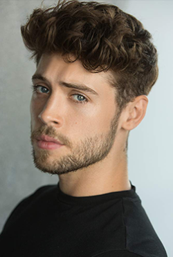 Ned Porteous-人物近照