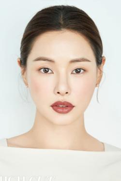 李哈妮-演員近照