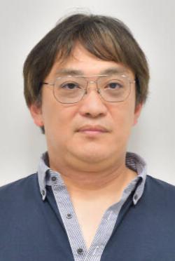 尾崎隆晴-人物近照