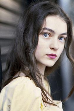 安娜瑪麗亞沃特魯梅-演員近照