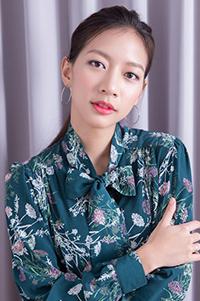 陳妤-人物近照