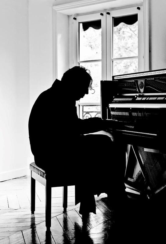 閉嘴!彈琴_Shut Up and Play the Piano_電影劇照